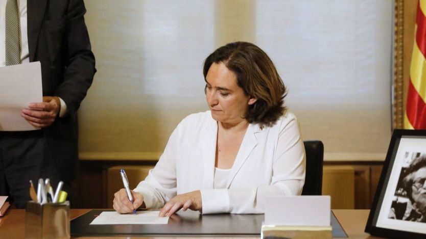 Colau se sube un 40% el sueldo sin tocar el Código Ético de Barcelona en Comú