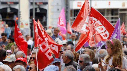 Los sindicatos, al PSOE y Podemos: