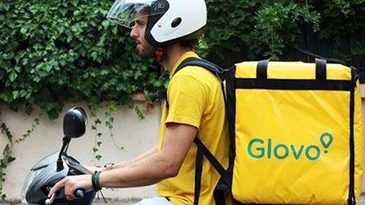 La historia del repartidor de Glovo que se accidentó y la empresa se interesó antes por el pedido
