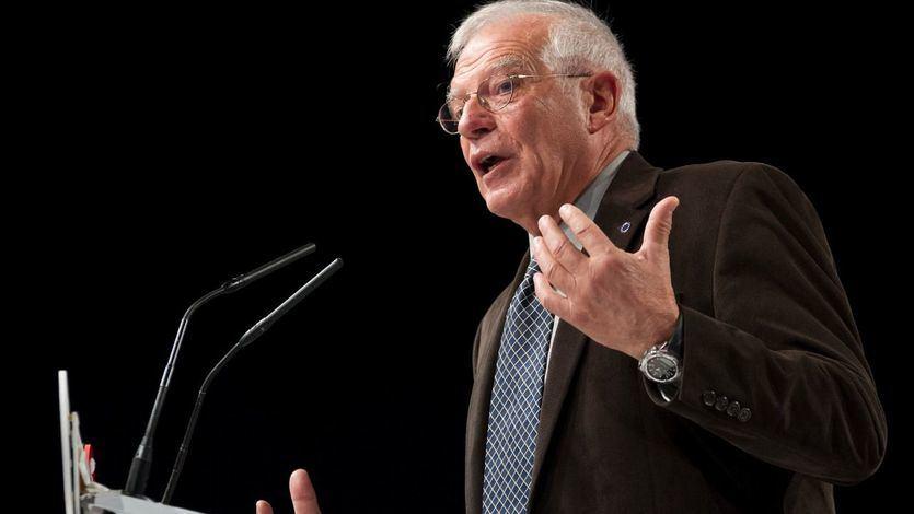 Independentistas trolean a Borrell por su mensaje de las 13 rosas