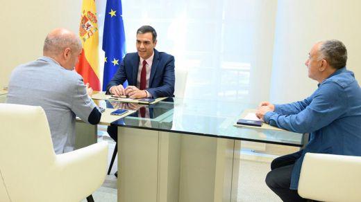 CCOO y UGT presionan a Sánchez para que alcance un acuerdo con Unidas Podemos