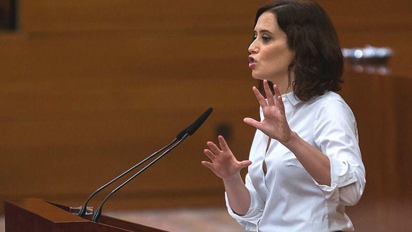 Ayuso, muy crecida ante la oposición: 'Debe ser que los madrileños son idiotas porque nos votan'