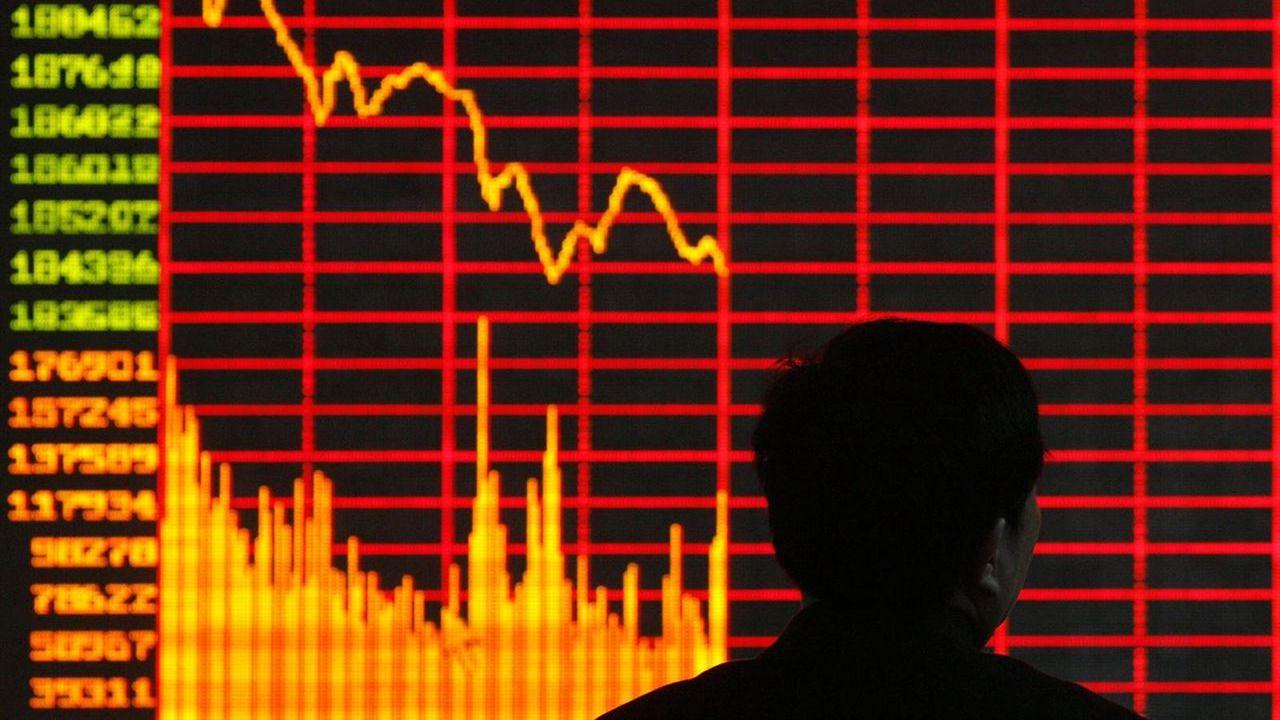 El Ibex baja un 1,98% y entra en pérdidas anuales - {DF}