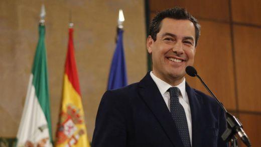 Juanma Moreno defiende que no hubo enchufe a su hermana, elegida directora de conservatorio con polémica
