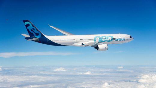 Aterriza con final feliz un avión en Madrid tras caer en picado por graves turbulencias