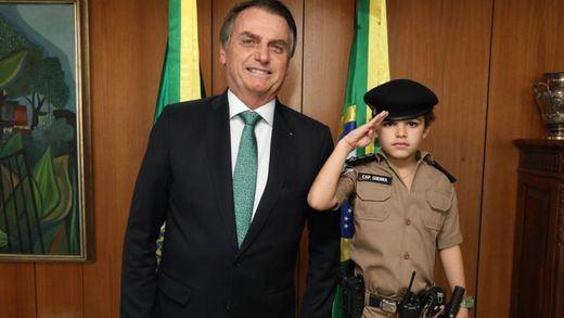 Bolsonaro aceptará finalmente la ayuda para los incendios del Amazonas, pero con condiciones