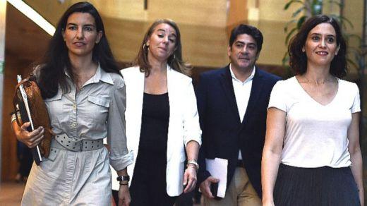 Vox asoma la patita en las nuevas viceconsejerías del Gobierno madrileño