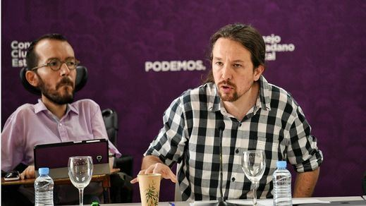 Iglesias arremete contra Sánchez por su estrategia de apurar el tiempo