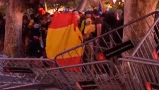 Disturbios ante el Parlament ponen fin a la Diada