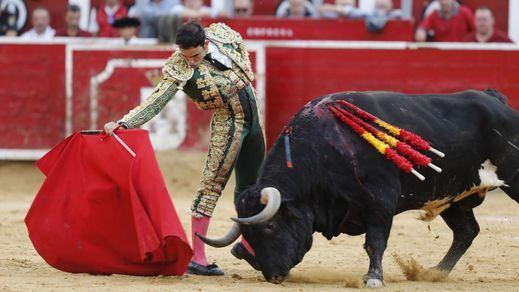 Albacete: Sergio Serrano se cierra la Puerta Grande con sus fallos a espadas