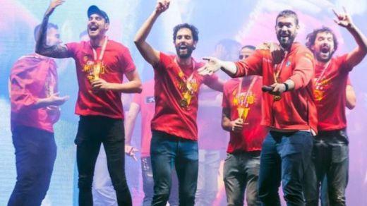 Así fue la celebración del equipo español a su llegada a Madrid