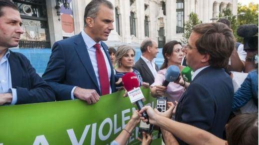 Almeida se encara con Ortega Smith (Vox) por boicotear el minuto de silencio contra la violencia machista