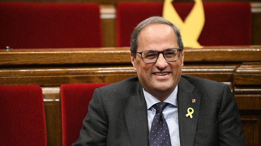 Torra desoye al Tribunal Superior de Justicia catalán y mantiene la pancarta por los presos