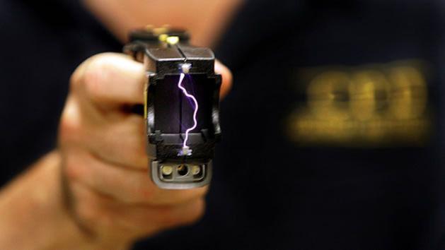 El Ayuntamiento de Madrid dotará a la Policía Municipal de pistolas eléctricas