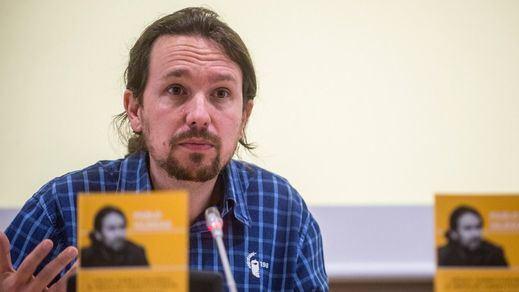 Iglesias sigue haciendo amigos en el PSOE presentando el libro 'Cal Viva'
