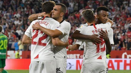 El Sevilla remonta a la Real (3-2) y deja apretada la cabeza de Liga
