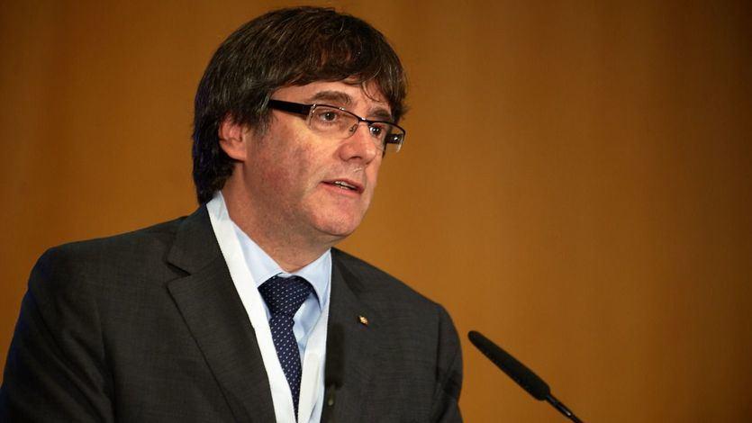 Puigdemont acusa al Estado de crear un montaje para 'colgarle el sambenito' del terrorismo y extraditarle