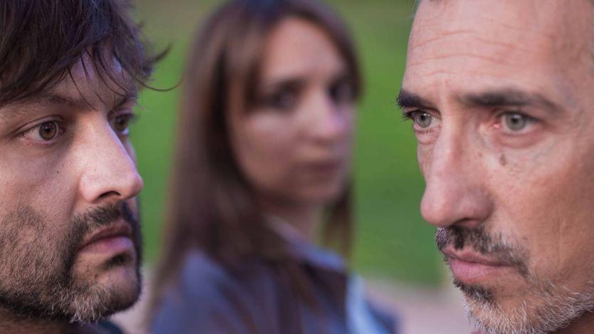 La dura, compleja y atractiva 'Ni con tres vidas que tuviera' vuelve a los escenarios madrileños (vídeo con entrevista a los actores)