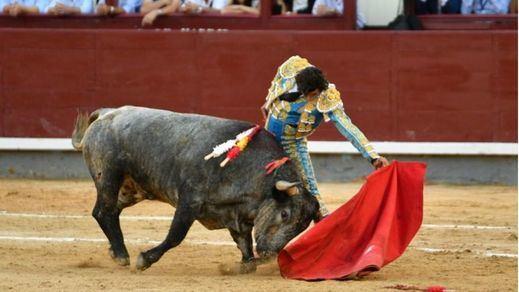 Feria de Otoño: aburrido festejo final con una mala corrida de Adolfo Martín y sólo una ovación para Curro Díaz