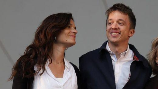 Primera crisis en casa de Errejón: Clara Serra dimite como diputada de Más Madrid