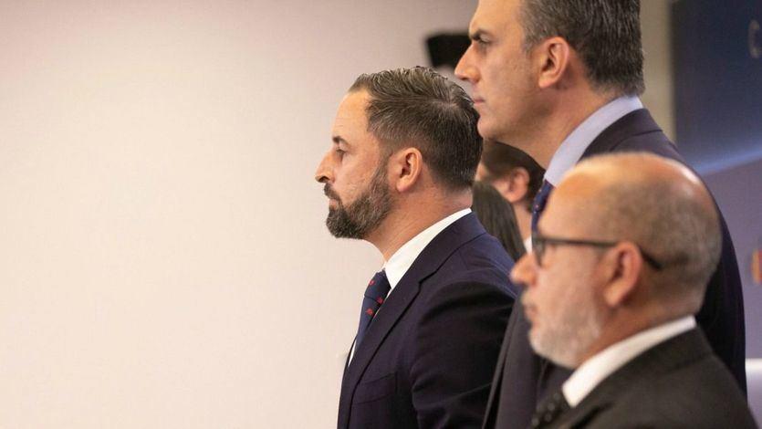 Así va la 'superencuesta': Vox asciende con fuerza mientras el PSOE asegura la victoria