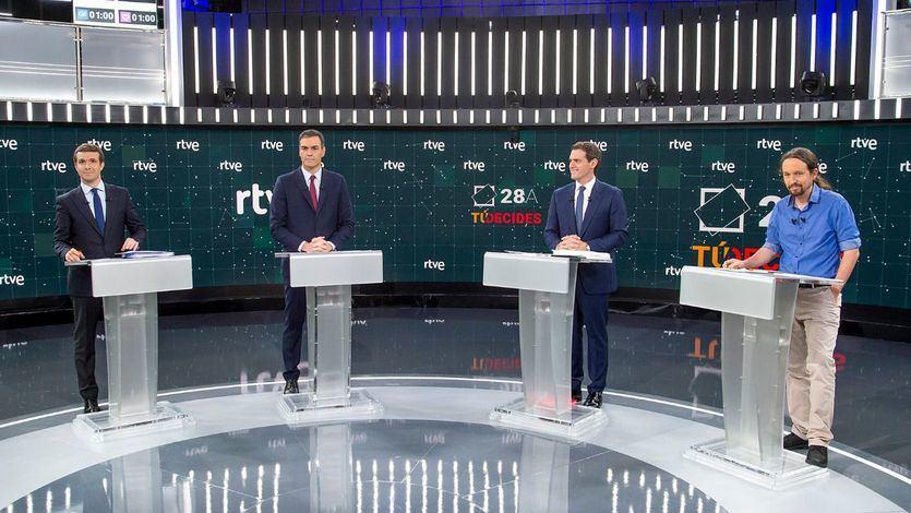 Sánchez llama a Casado, Rivera e Iglesias para una reunión urgente sobre la seguridad en Cataluña