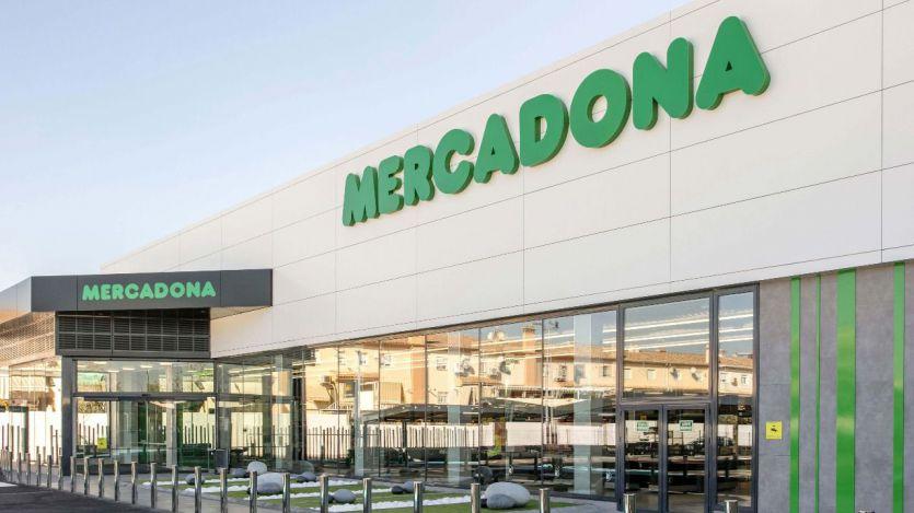 Mercadona inaugura su nuevo modelo de tienda eficiente en el mercado de Puente de Vallecas (Madrid)