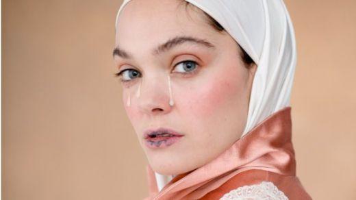 'La mujer más fea del mundo'. Humo blanco