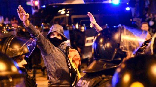 La brutal agresión a un joven en Barcelona por un grupo de neonazis indigna al entorno independentista
