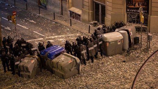 La quinta noche de protestas en Cataluña se salda con 83 detenidos y 182 heridos