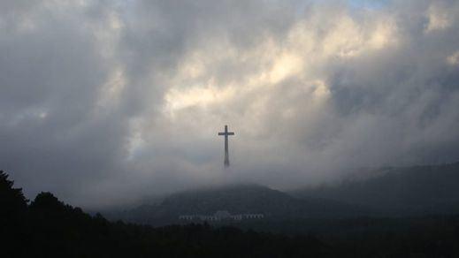 Exhumación de Franco: siga el proceso con la señal de televisión en directo