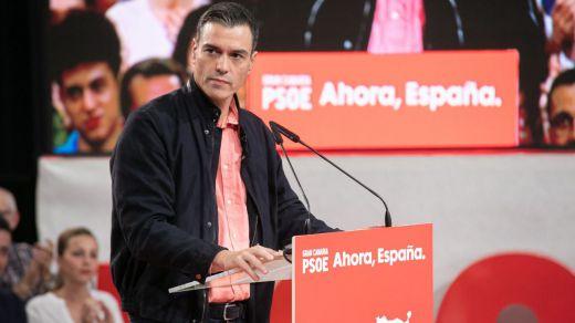 Sánchez se escora aún más hacia el centro: