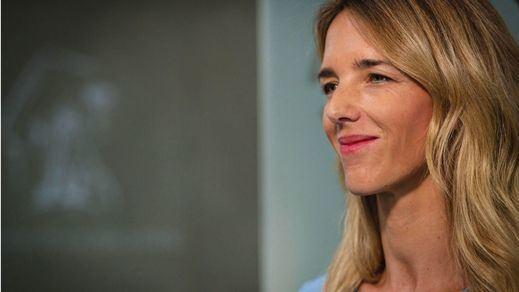Cayetana Álvarez de Toledo abraza la teoría de la profanación de Franco