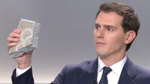 El adoquín de Rivera se vende en Amazon por menos de 20 euros