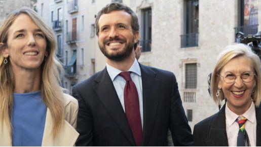 Rosa Díez consuma su viraje ideológico: pidió el voto para Casado en un acto del PP