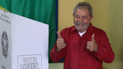 El ex presidente brasileño Lula da Silva recupera su libertad y desafía a Bolsonaro