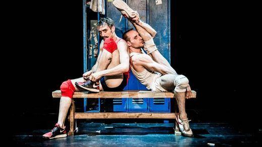 'Un poyo rojo': mucho más que teatro físico