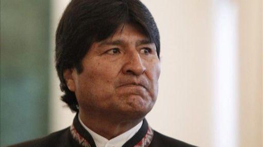 Morales llega a México, donde será protegido como asilado político