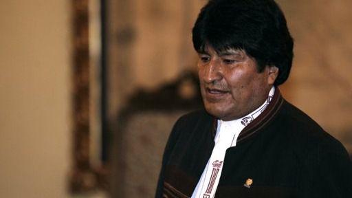 Morales desde México denuncia que Jeanine Añez consolida