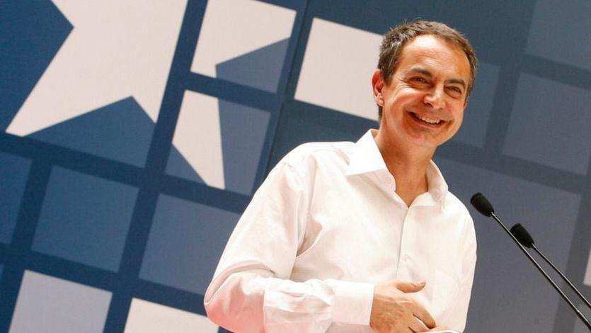 Zapatero, a diferencia de González, 'bendice' el acuerdo entre Sánchez y Unidas Podemos