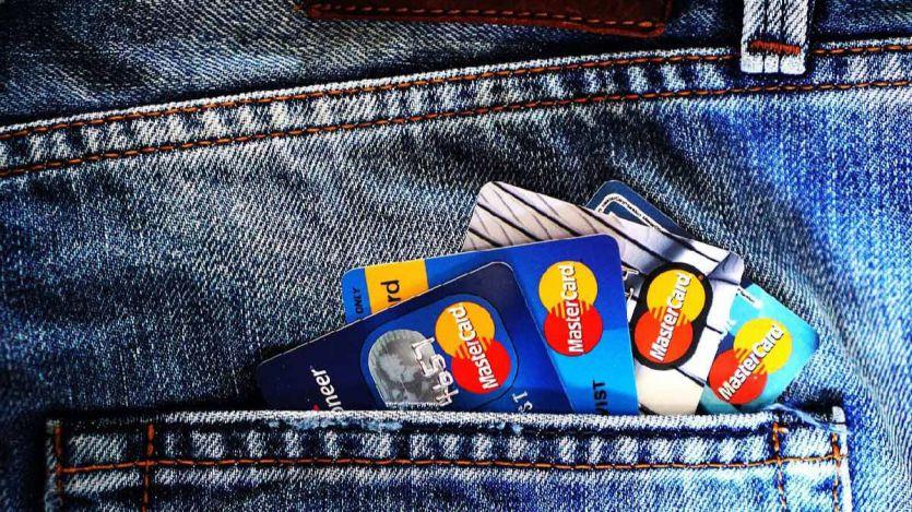 Bankia devolverá a 200 clientes el gasto más elevado que realicen con tarjetas de crédito en Black Friday y Cyber Monday