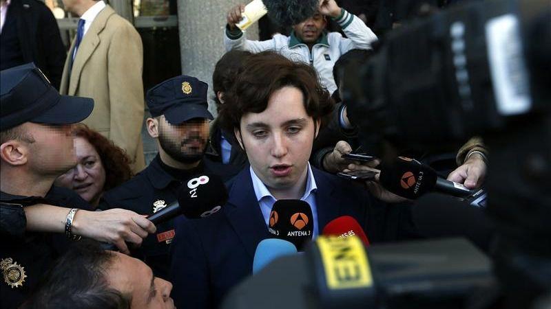 El Pequeño Nicolás, detenido por agresión en un bar donde llegó a enfrentarse al personal con un cuchillo en la mano