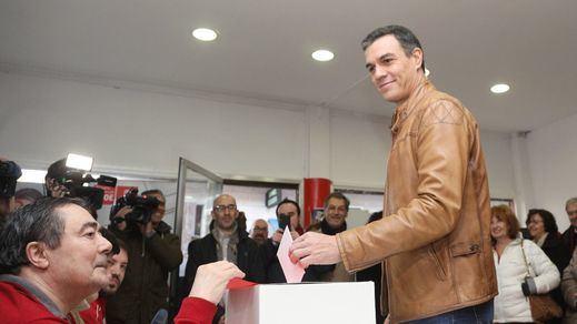 Sánchez anima a las bases socialistas tras votar
