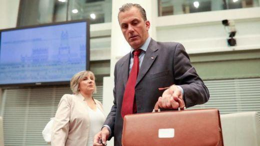 La encrucijada de PP y Cs: la reprobación de Ortega Smith amenaza con enfriar su relación con Vox