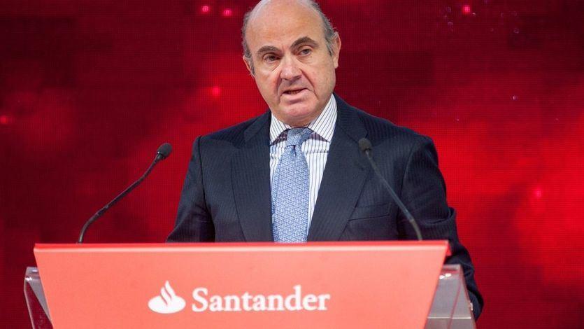 El juez del 'caso Banco Popular' cita como testigos a De Guindos y al ex gobernador del Banco de España