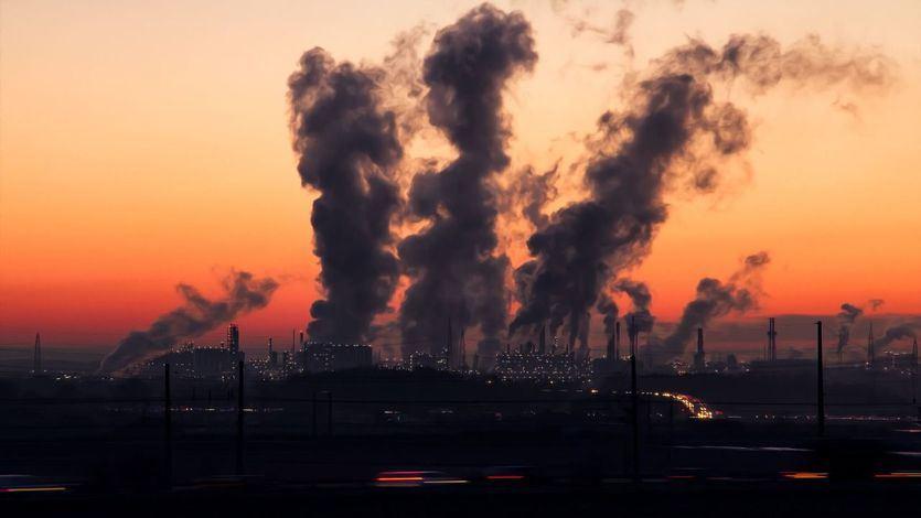 Un impuesto sobre las emisiones contaminantes supondrían 10.000 millones al año