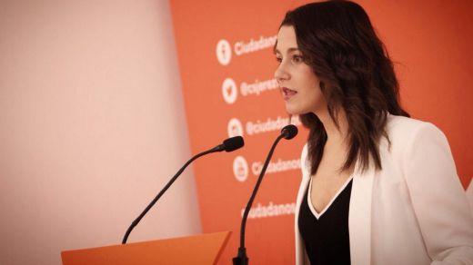Cs levanta el veto a Sánchez: Arrimadas le ofrece negociar una alternativa