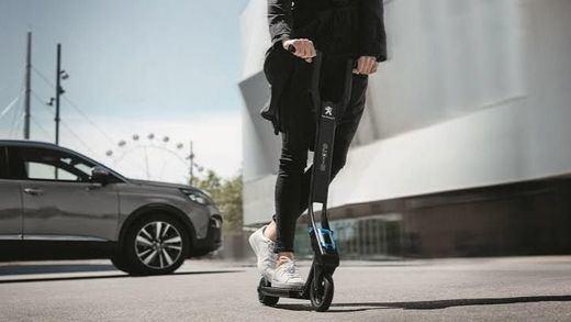 200 euros por llevar auriculares en patinete eléctrico y otras multas de las que advierte la DGT