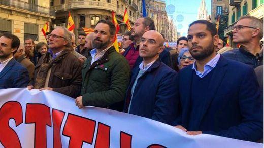 Manifestación en Barcelona: Cs se separa de PP y Vox por una pancarta contra la ley de violencia de género