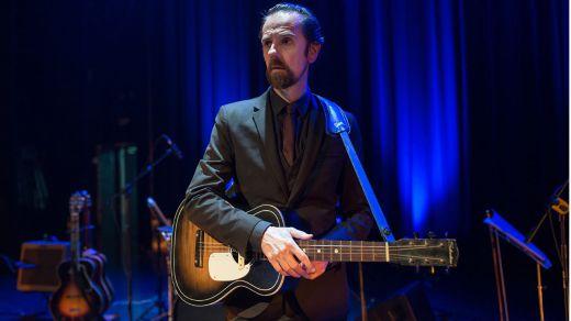 El polifacético Diego Vasallo nos lleva por 'Las rutas desiertas', su nuevo disco en solitario